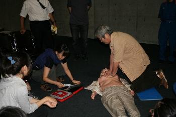 AEDを体験できる貴重な機会でした!!