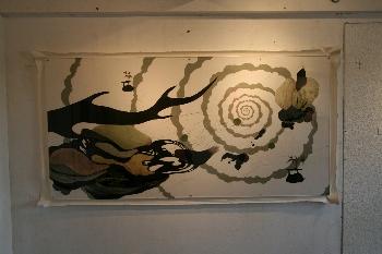 「Isofonizkloom」 紙に水彩、アクリル、インク、植物 970×1939
