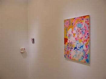 色彩豊かな作品が並んでいます。