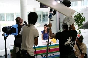 OUA-TVのスタジオでも撮影を行いました!!