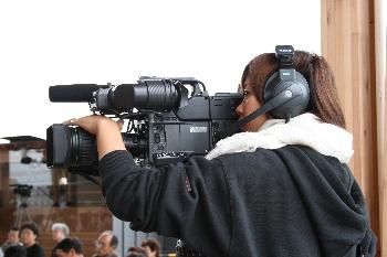 カメラももちろん学生が頑張っています!