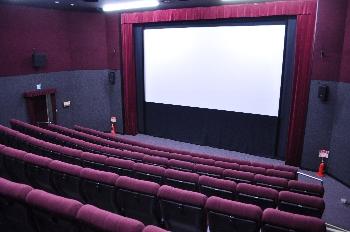 何度来てもすごいですよね!!学内に映画館ですよ!?