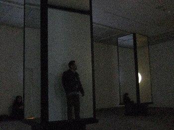 真っ暗で何も見えません・・・