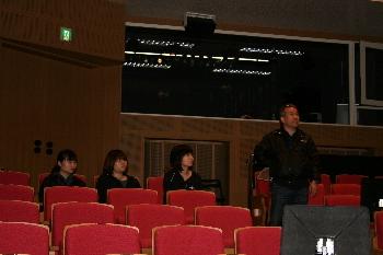 客席から客観的に舞台を見ることも大切です!